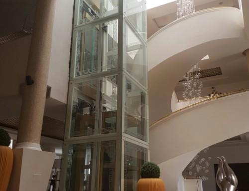 Mini Lift con struttura in vetro